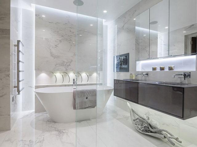 بررسی پنج حمام مدرن با نمایی از سبک خانه روستایی