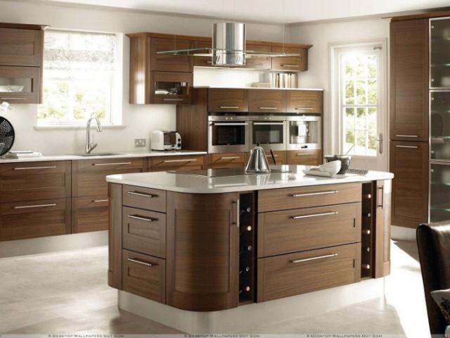 سه آشپزخانه جذاب با کابینت هایی با رنگ ملایم
